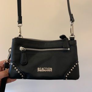 Kenneth Cole reaction cross body purse